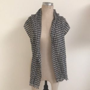 Accessories - Cashmere black and white fringed scarf Nepal